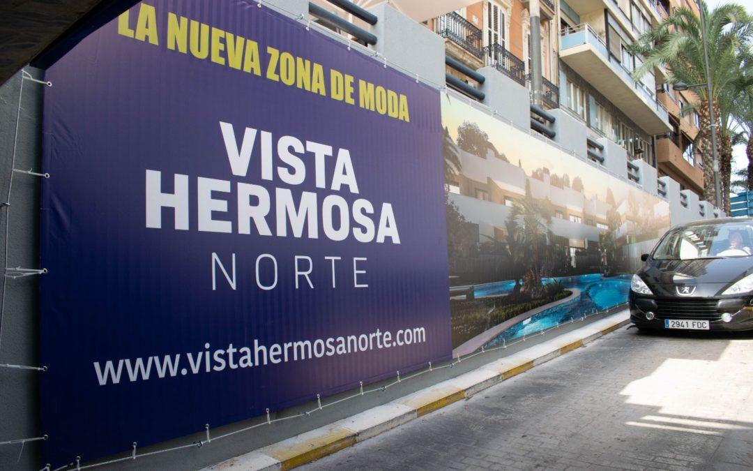 Así son los carteles de Vistahermosa Norte en el parking de Alfonso el Sabio